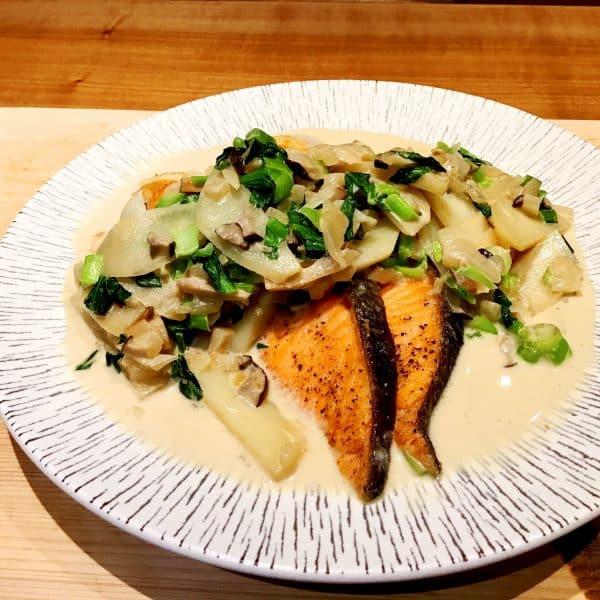 秋サケの小松菜クリームソース煮